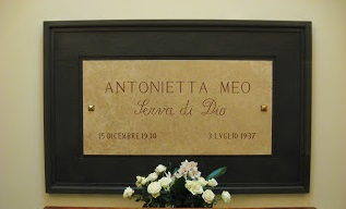 Antonietta tomb
