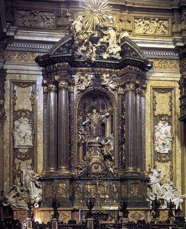 Gesu Ignatius statue