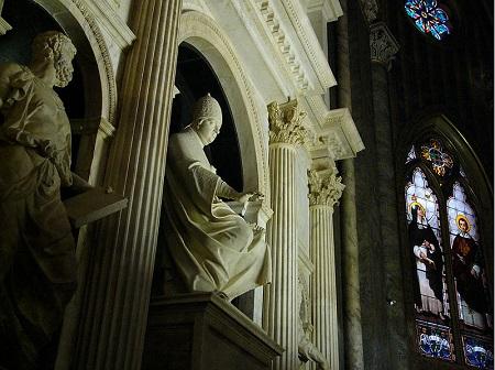 Leo X tomb